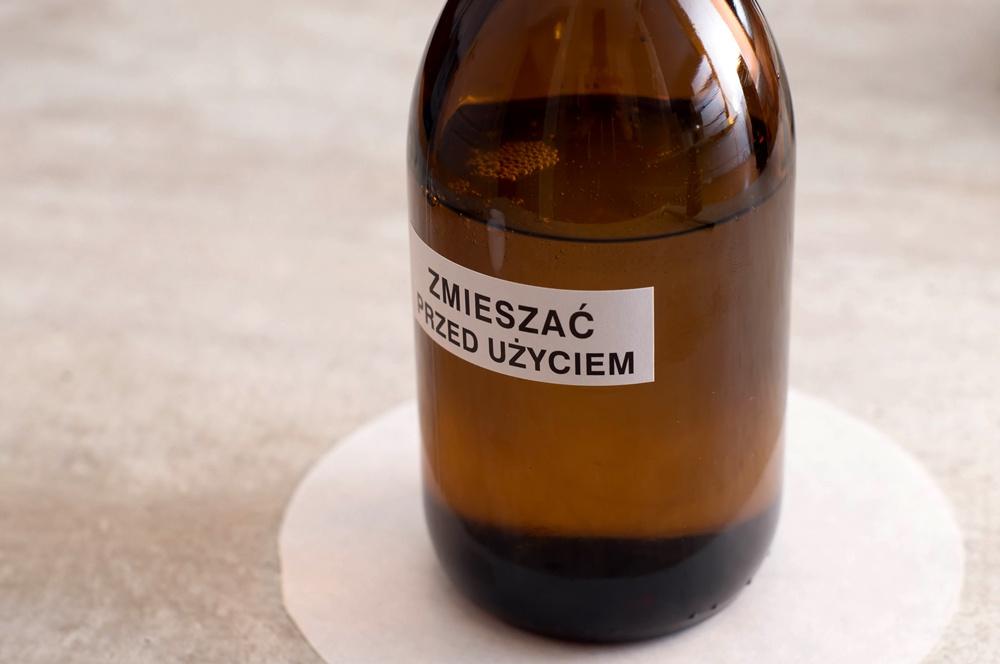 Z uwagi na zawartość różnych składników, mieszanki mogą być klarowne, opalizujące lub mętne (fot. receptura.pl).
