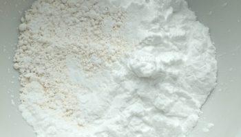 Do rozdrabniania niewielkich porcji substancji wykorzystuje się głównie moździerze (fot. Receptura.pl).
