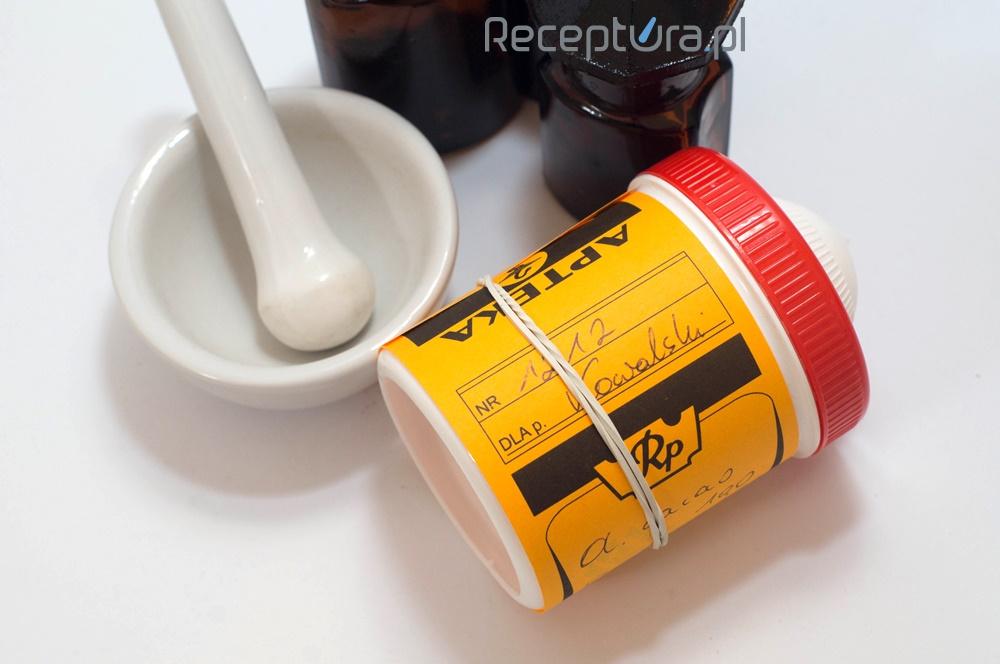 Mydło potasowe jest wykorzystywane jako środek złuszczający, keratoplastyczny, przeciwłojotokowy oraz dezynfekujący (fot. receptura.pl).