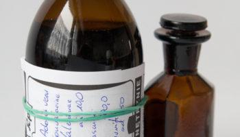 Na etykiecie muszą znaleźć się potrzebne informacje (fot. Receptura.pl).
