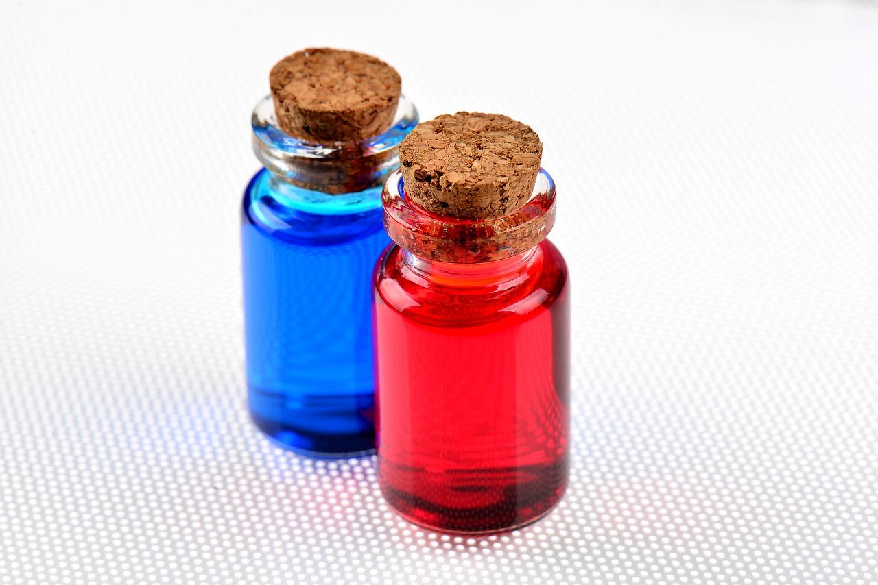 Pudełka, butelki do leków recepturowych - opakowania (fot. receptura.pl).