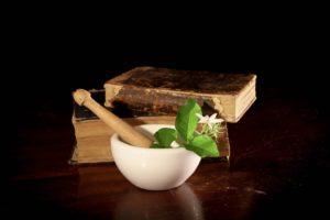 Do receptury aptecznej wprowadzono nowe surowce (fot. Shutterstock).