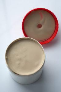 Niestety ze względu na swoją konsystencję ichtiol powoduje liczne niezgodności recepturowe (fot. receptura.pl).