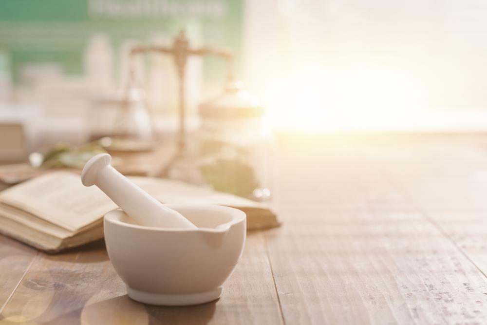 Najlepszą metodą na przechowywanie surowców jest używanie do ich składowania oryginalnych opakowań producenta (fot. Shutterstock).