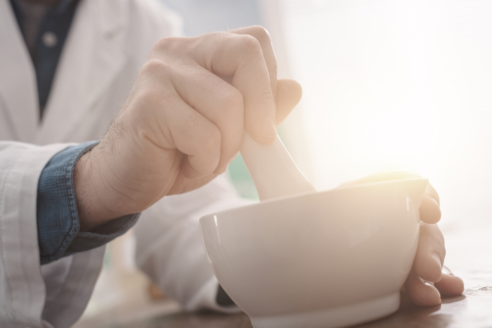 Aby uniknąć powstania mieszaniny semitektycznej, należy dokonać zamiany soli uwodnionej na sól bezwodną w ilości równoważnej chemicznie (fot. Shutterstock).