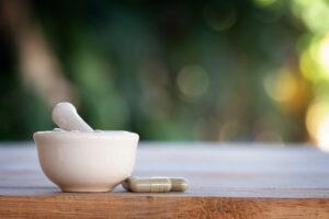 Niezgodności recepturowe to zmiany właściwości lub wyglądu leku recepturowego (fot. Shutterstock).